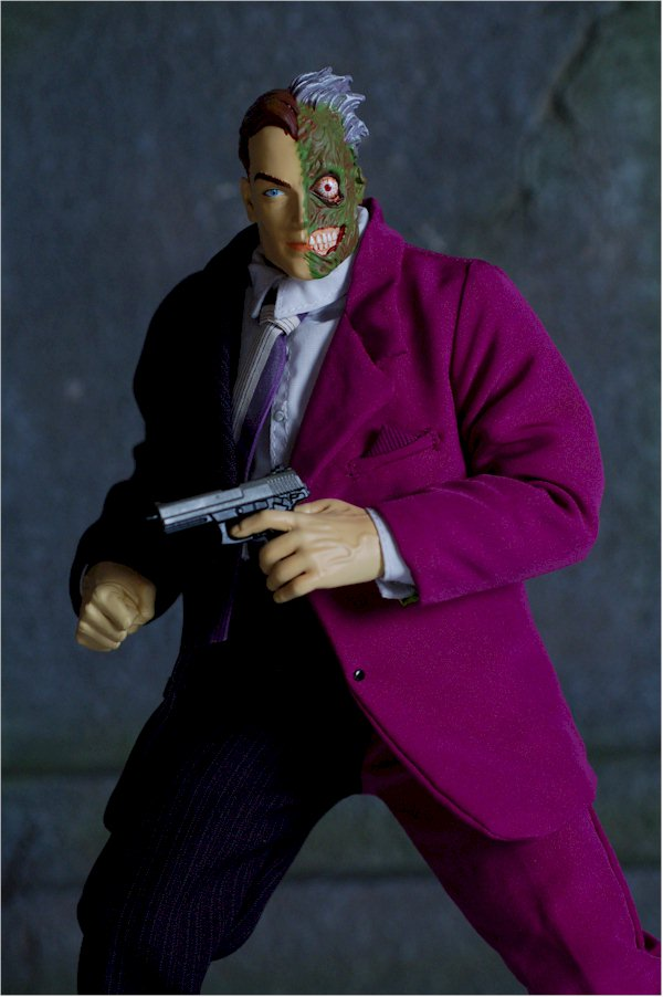 deluxe two-face action figure