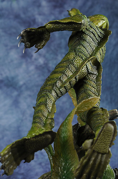 Sideshow Collectibles Premium Format Creature from the Black Lagoon statue