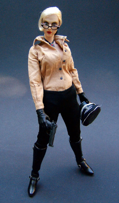 Silken Floss The Spirit sixth scale action figure by Hot Toys