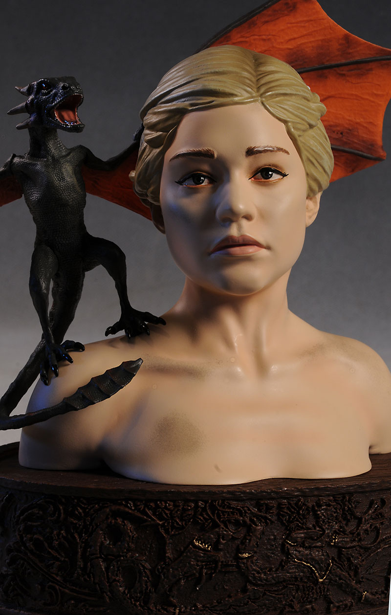 Daenerys mini-bust Game of Thrones by Dark Horse