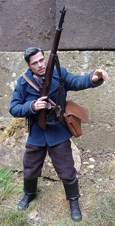 Aldo Raine Inglorious Basterds sixth scale action figure by Hot Toys