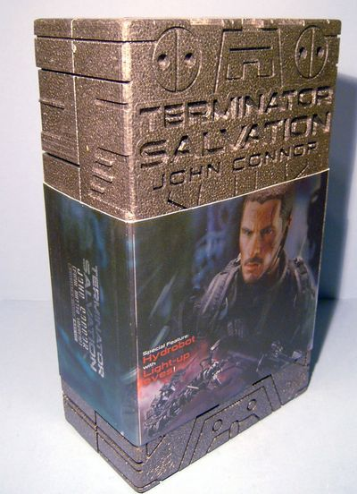 John Connor Terminator Salvation Final Battle sixth scale action figure by Hot Toys