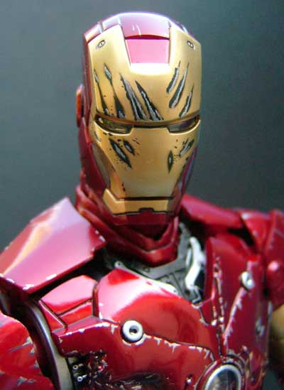Battle Damaged Iron Man action figure by Hot Toys