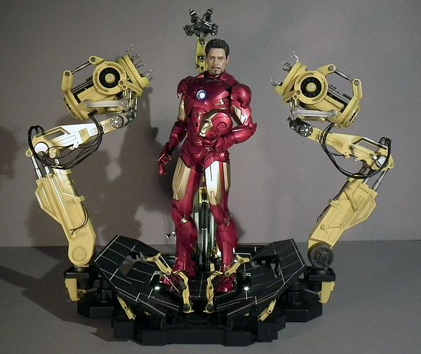 Iron Man Suit Collection Suit up Gantry Iron Man Hot