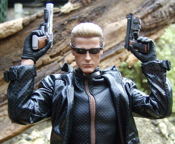 Resident Evil Wesker And Sheva Sixth Scale Action Figures Another Pop Culture Collectible Review By Michael Crawford Captain Toy