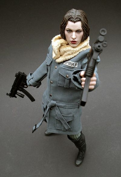 Alice Resident Evil Afterlife action figure by Hot Toys