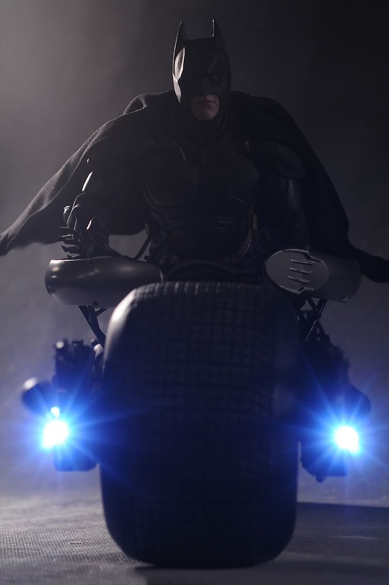Dark Knight Batman Bat Pod sixth scale vehicle by Hot Toys