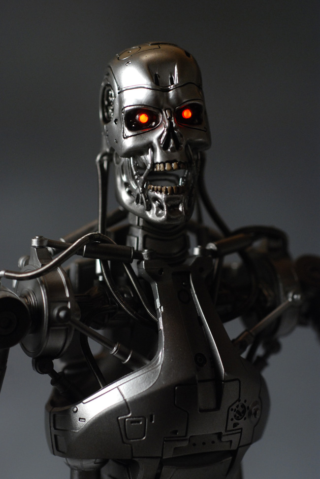 Terminator Endoskeleton sixth scale action figure by Hot Toys