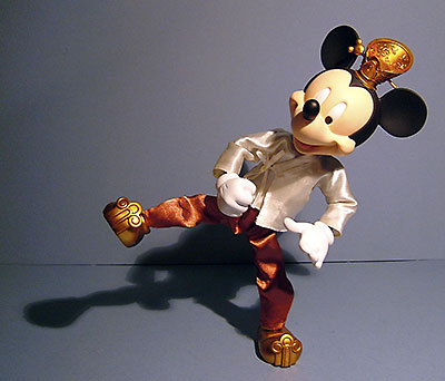 Hot Toys Mickey and Minney vinyl figures