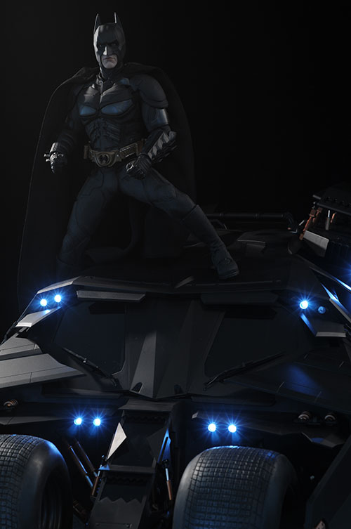 Tumbler Batmobile Batman Dark Knight sixth scale vehicle by Hot Toys