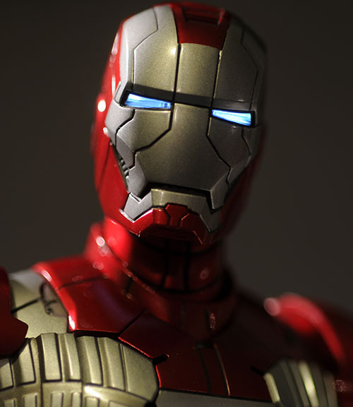 Iron Man MKV Suitcase Suit action figure by Hot Toys