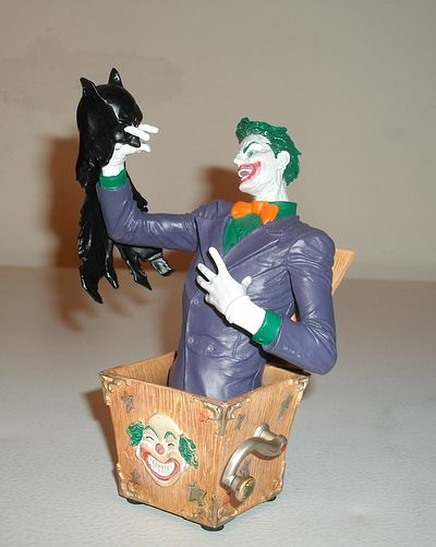 Joker mini-bust by DC Direct