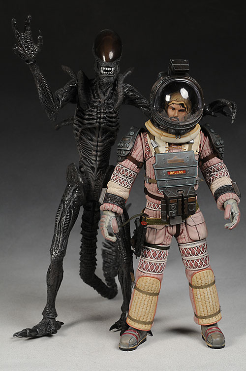 Hot Toys Alien Dallas action figure