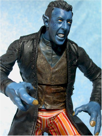 http://www.mwctoys.com/images/review_nightcrawler_6.jpg