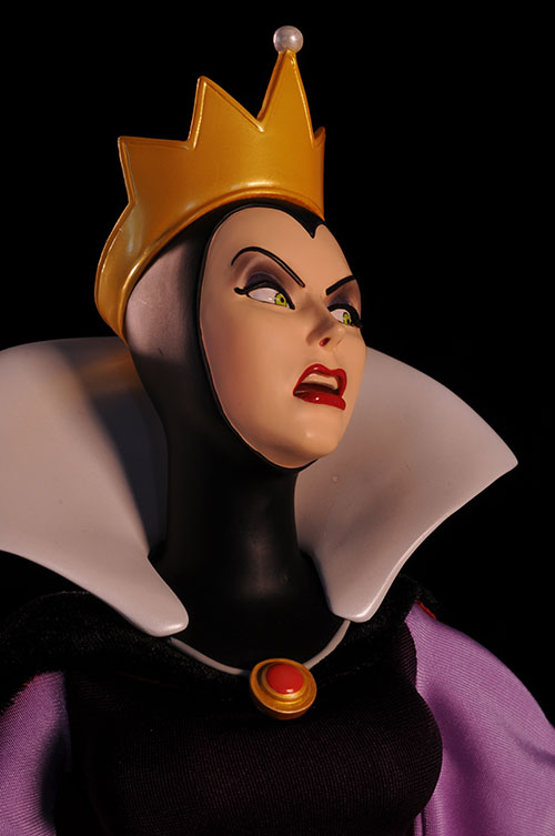 Evil Queen Snow White Disney Premium Format Statue by Sideshow Collectibles