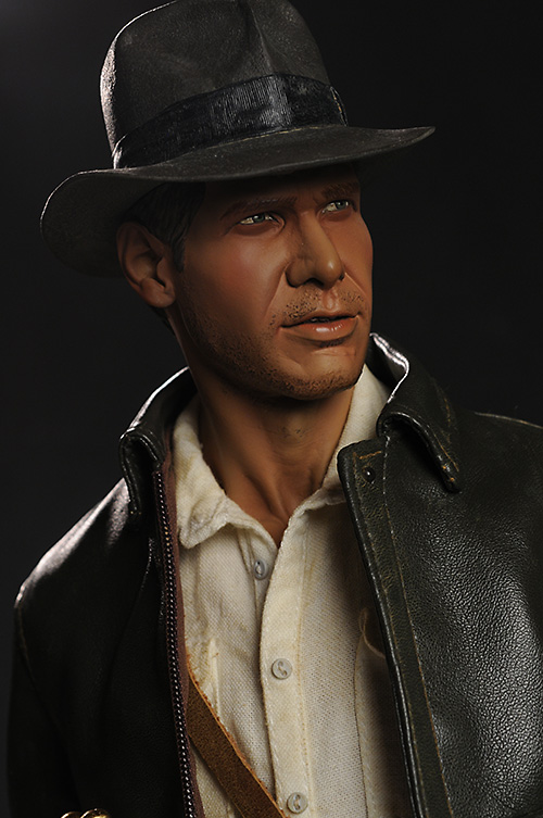 Indiana Jones premium format statue from Sideshow Collectibles