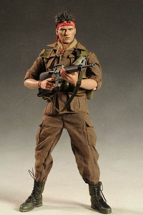 Platoon Chris Taylor Charlie Sheen action figure by Hot Toys