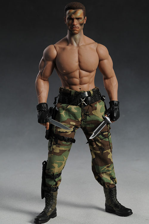 Predator Dutch sixth scale action figure by Hot Toys