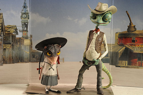 Rango and Priscilla vinyl figures by Hot Toys