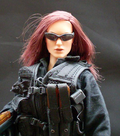 Secret Service Emergency Response Team female action figure by Hot Toys