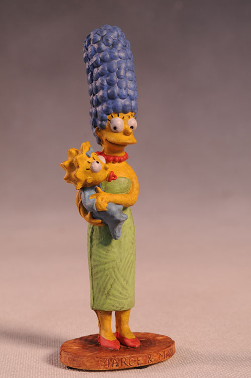 Marge and Maggie Simpson Syroco style Simpsons statue by Dark Horse Comics