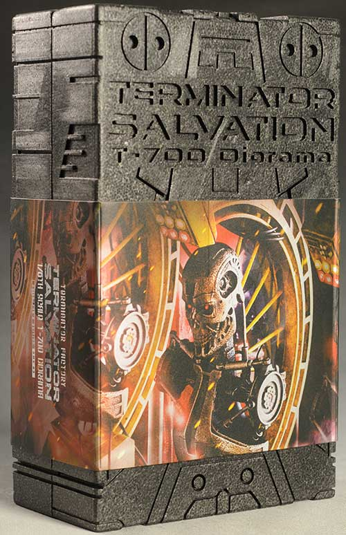 T-700 Terminator Salvation diorama sixth scale by Hot Toys