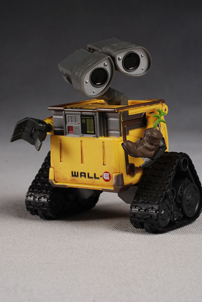 Wall-E and Eve deluxe action figures by Thinkway Toys