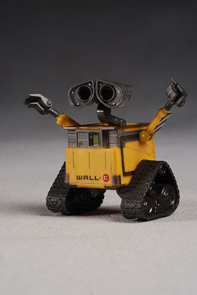 wall-e action figure from thinkway toys