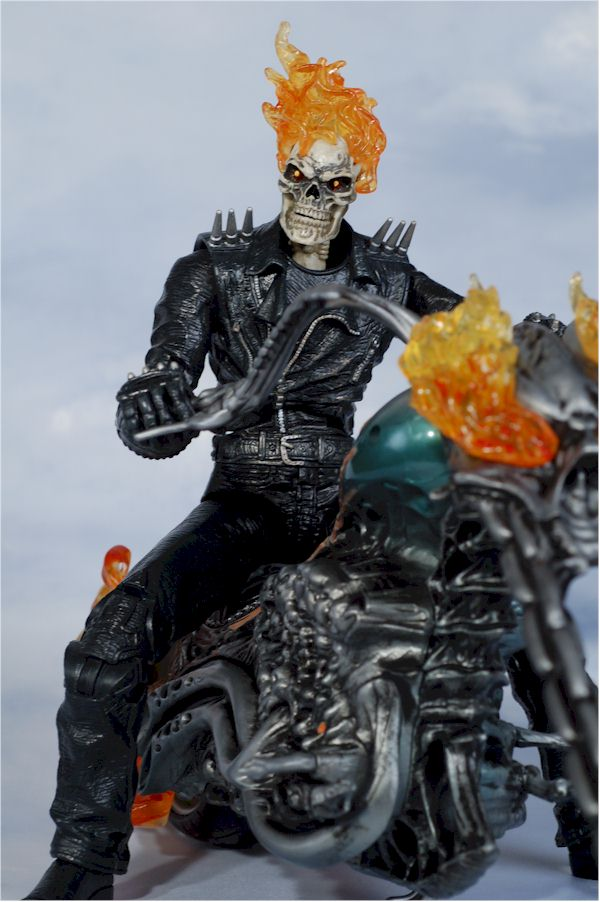 Hasbro Ultimate Ghost Rider and Motorcycle
