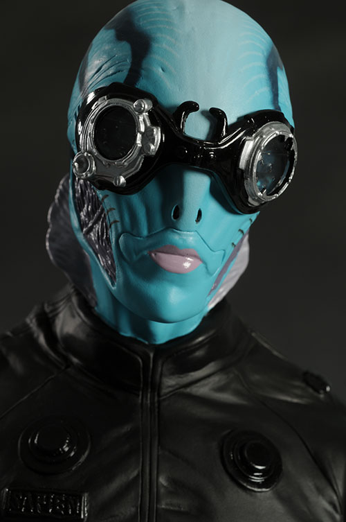 Hellboy Abe Sapien 1/4 scale action figure by Mezco