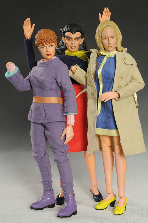 Lost in Space Maureen Robinson, NOTLD Barbra, Blood of Dracula 1/6th figures