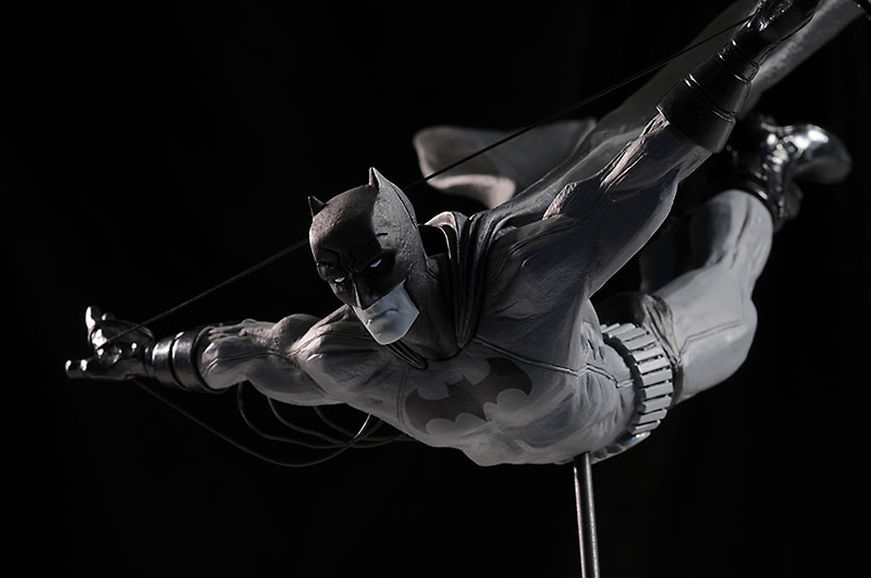 Batman Black & White Cooke, Jock statues by DC Direct