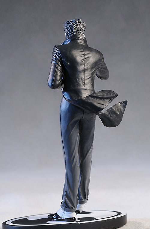 Batman B&W Bolland Joker statue by DC Direct