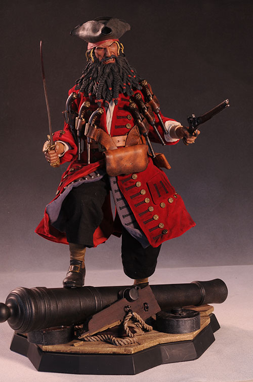Blackbeard the Pirate Premium Format statue by Sideshow