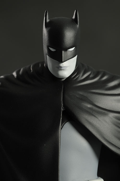 David Mazzucchelli Batman Black & White statue by DC Direct