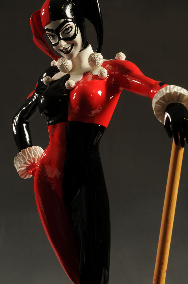 Cover Girls of the DCU Harley Quin statue