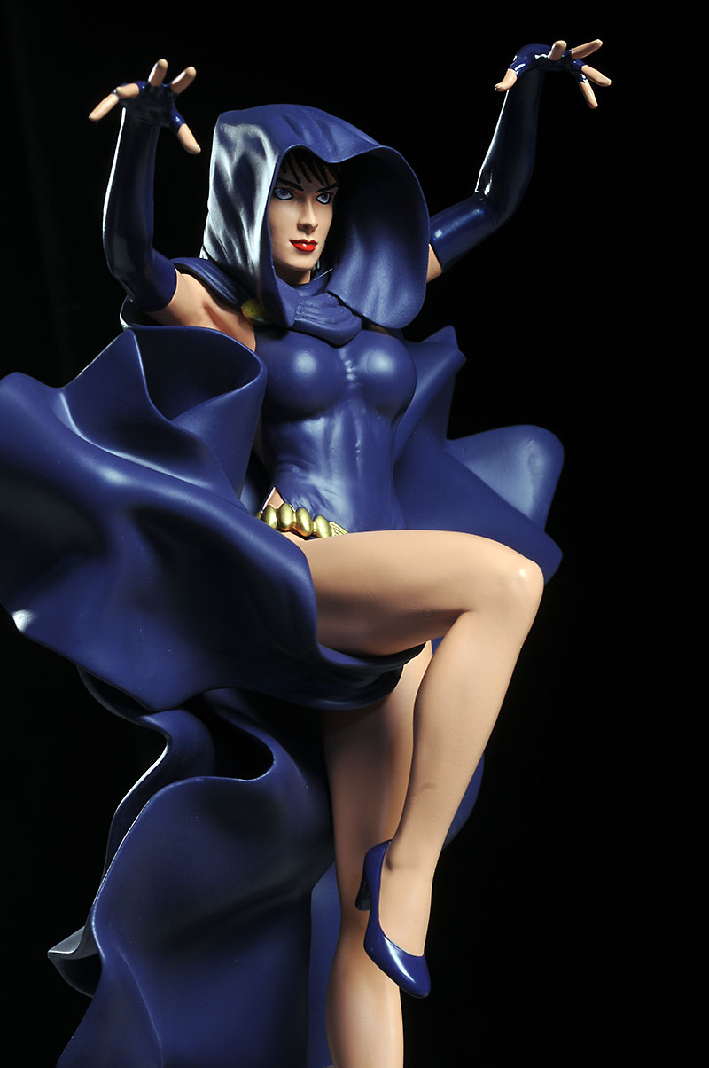 DC Cover Girls Raven statue by DC Direct