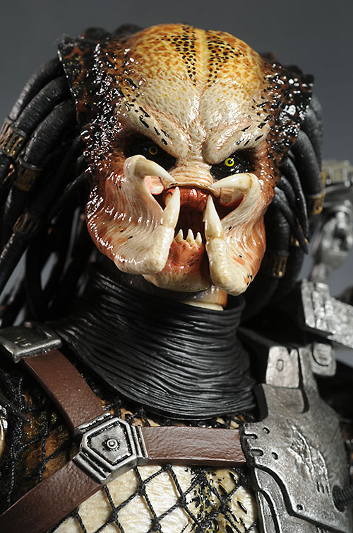 Classic Predator sixth scale action figure by Hot Toys