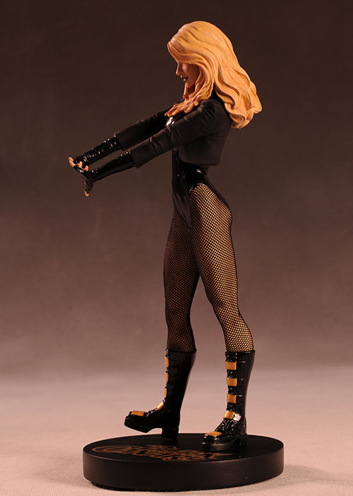 Cover Girls DCU Black Canary statue by DC Direct