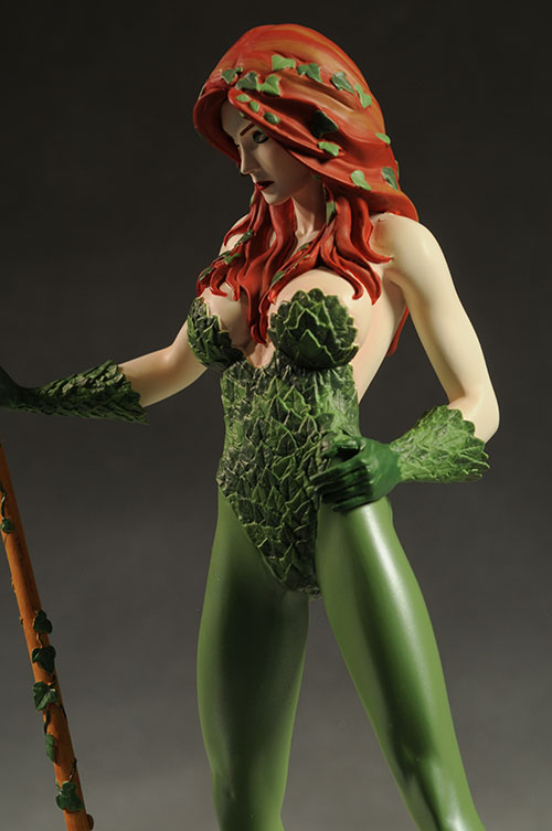 Poison Ivy Cover Girls DCU statue by DC Direct