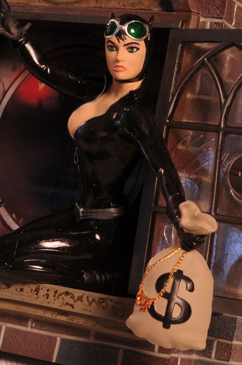 Gotham City Stories Catwoman statue by DC Direct