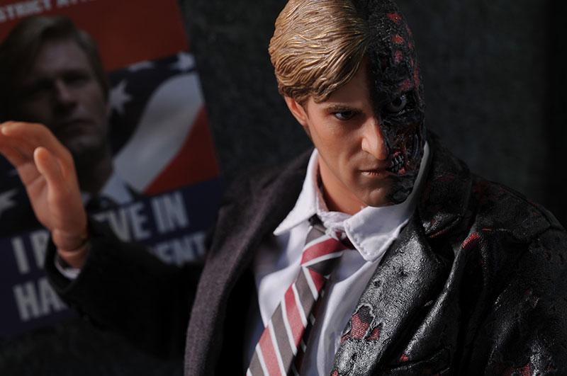 Dark Knight Harvey Dent, Two-Face 1/6th action figure by Hot Toys