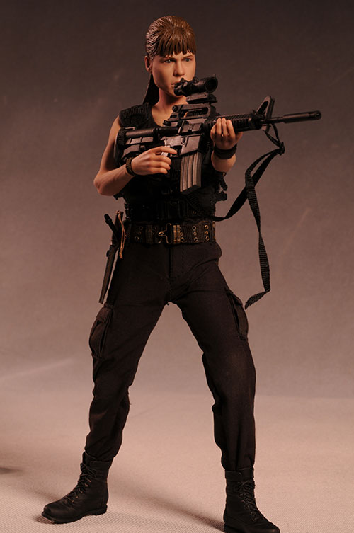 Terminator 2 Sarah Connor 1/6th action figure by Hot Toys