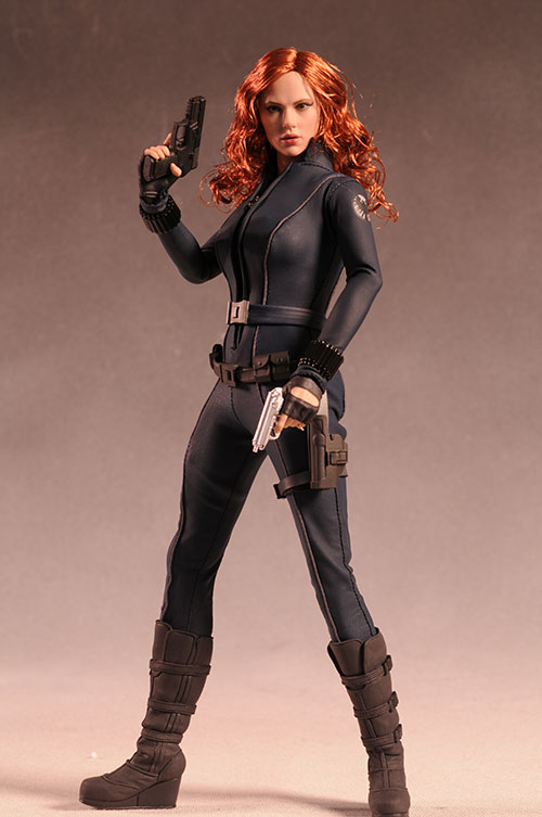 Black Widow sixth scale action figure by Hot Toys