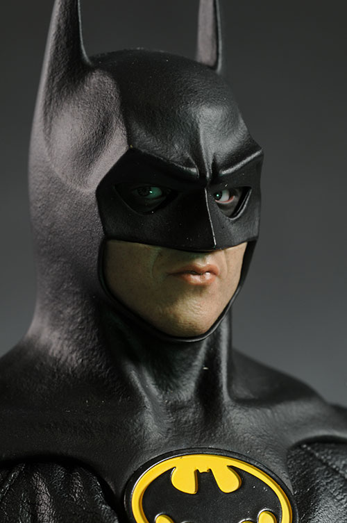 1989 Batman Michael Keaton action figure by Hot Toys