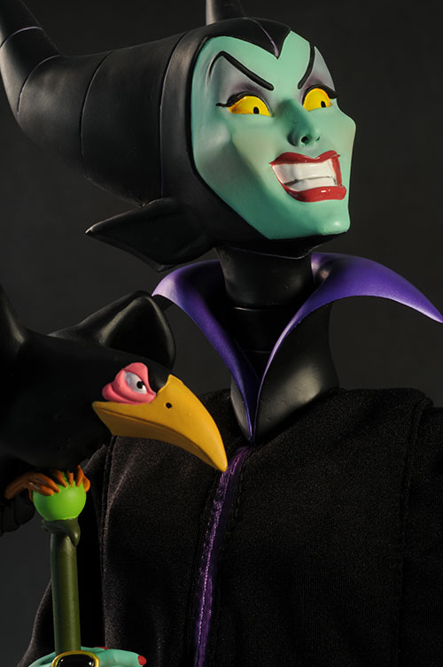 Disney Maleficent Premium Format statue by Sideshow