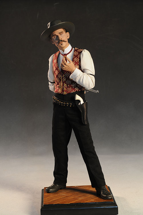 Premium Format Doc Holliday statue by Sideshow