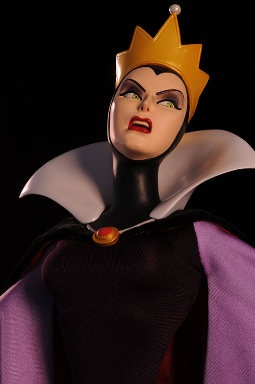 Snow White Evil Queen Premium Format Statue by Sideshow