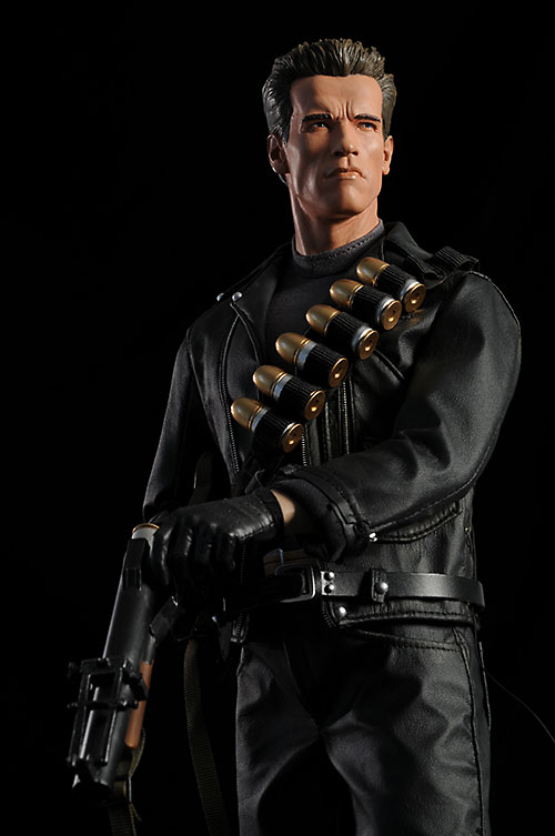 Terminator 2 T-800 Premium Format Statue by Sideshow