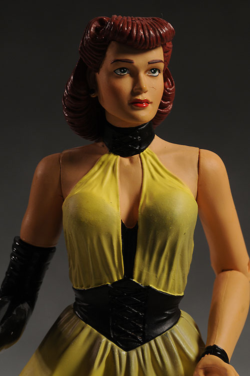 Watchmen Silk Spectre action figure by DC Direct